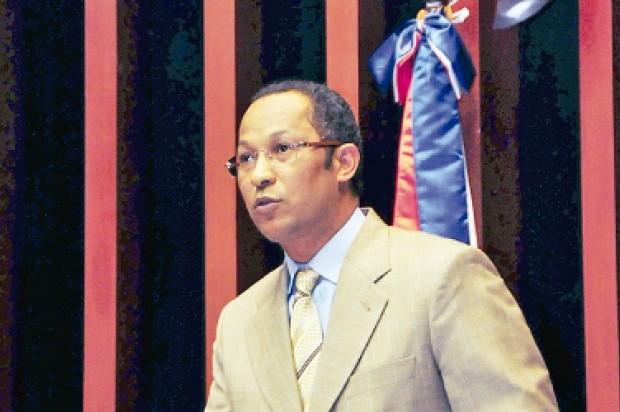 Resultado de imagen para fotos senador Dionis Sánchez