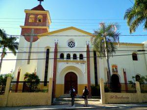 Catedral de Barahona.  Hector Rafelin Cuello.