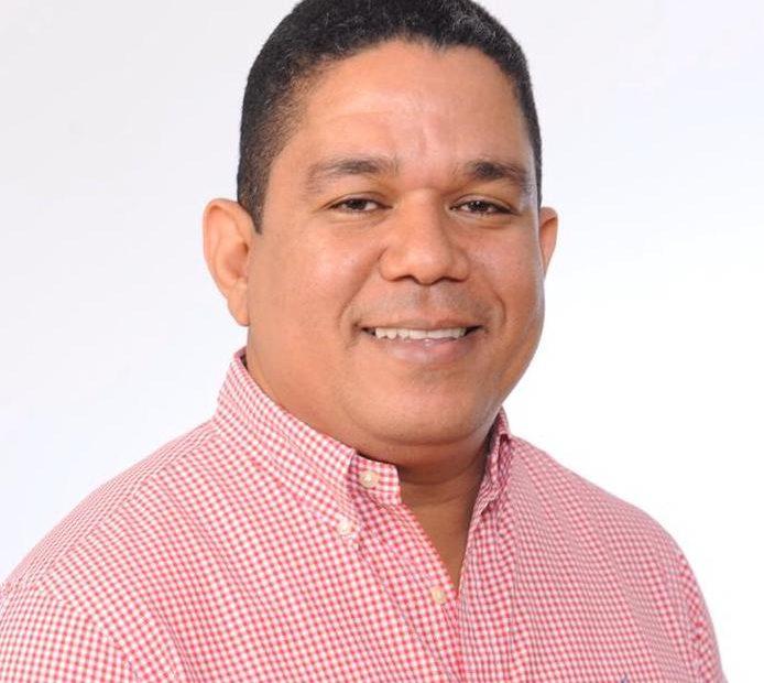 BARAHONA: Candidato a diputado Moisés Ayala felicita a ...